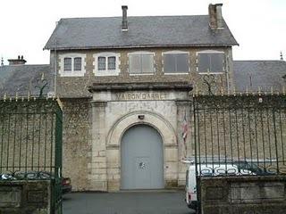 Le fermeture des prisons de Fontenay et La Roche-sur-Yon