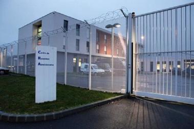 Reconduite d'une famille russe au centre de rétention administrative de Rennes
