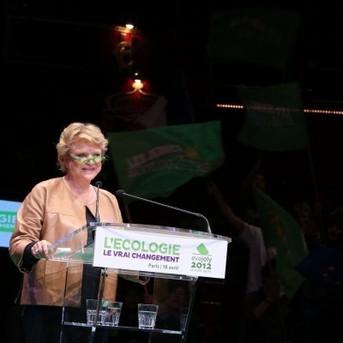 Eva Joly:  « Je connais bien Dominique Strauss-Kahn : je l'ai mis en examen » Cette déclaration lui vaut le prix Press club humour et politique en 2010