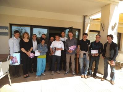 Viticulteurs, élus et organisateurs réunis lors de la remise des prix
