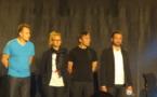 4 artistes en herbe sur la scène d'Arundel