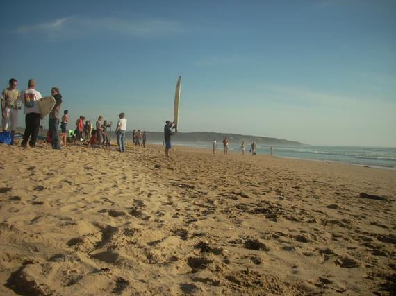 Talmont Saint-Hilaire : Veillon Surf Festival se poursuit ce dimanche 12 octobre , 16 équipes soit 48 compétiteurs sont attendues, finale cet  après-midi.