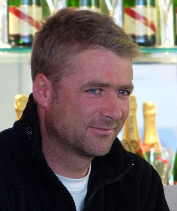 Vendée Globe : Yann Eliès face à l'Everest avec son sac et son piolet