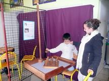 Ilies et Virginie ont découvert les jeux traditionnels.