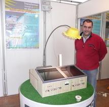 Sur le stand de la Chambre d'Agriculture, découvrez la maquette d'une stabulation, équipée de panneaux photovoltaïques.