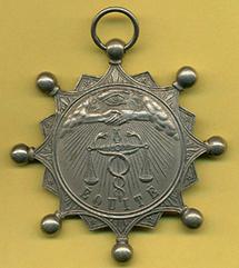 Le premier conseil des prud'hommes a été créé en 1806 sous Napoléon dans la ville de Lyon. En Vendée seulement en 1975 et  1980