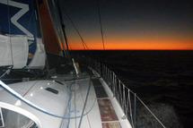 Desjoyeaux s'échappe, Hatfield vers Hobart