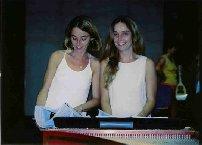 Les jumelles Catherine et Isabelle Ramona au cours d'une répétition de la