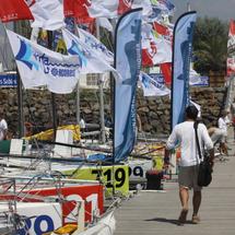 Prologue de la course les Sables - les Açores - les Sables à 12 h 30, ponton du Vendée Globe aux Sables-d'Olonne.