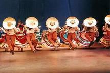 Chaque année, quatre jours durant, le village de Cugand, en Vendée, danse aux rythmes des musiques du monde.