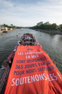 Les Sauveteurs en Mer de la SNSM ont paradé sur la Seine