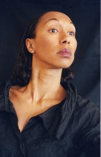 """La 9ème édition du festival """"Raconte la Vie"""" aura lieu au Poiré sur-Vie du 4 au 9 octobre 2010."""