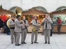 Du 15 au 30 décembre, 16 artisans seront installés sur la place de la Mairie des Sables à l'occasion des fêtes de Nöel