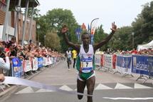 1200 courreurs ont foulé le remblai des Sables d 'Olonne à l 'occasion de la 19ème ésition du Semi-Marathon des Olonnes