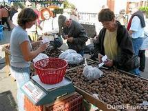 Foire aux Marrons à La Caillère Saint Hilaire le dimanche 30 octobre 2011