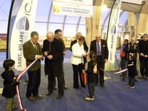 Des entreprises bénévoles adaptent les infrastructures du complexe sportif accueillant le Championnat de France individuel de tennis handisport