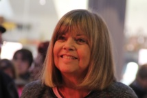200 Personnes retournent en enfance grâce à Chantal GOYA .