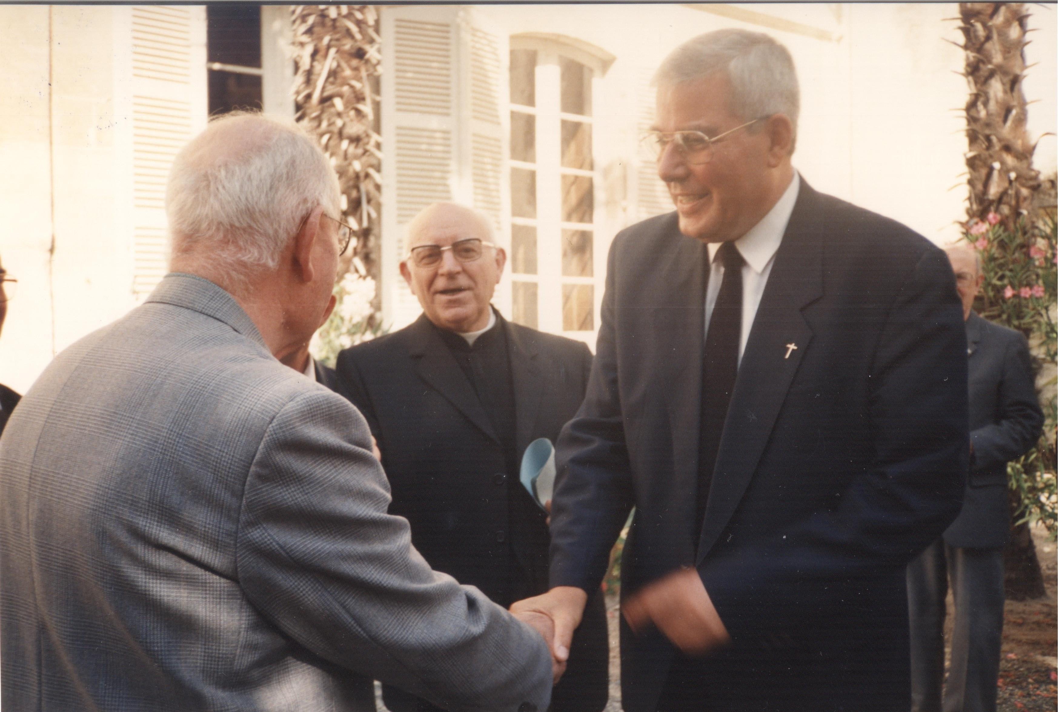 31 août 1990, Mgr Garnier nommé coadjuteur arrive à Luçon.  Crédit : Association diocésaine de Luçon