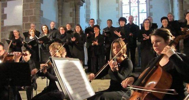 L'ensemble Erwin List se produit à l'église de Saint Hilaire  de Talmont