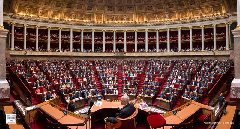 Fragilisé, Manuel VALLS obtient une confiance relative mais perd la majorité absolue