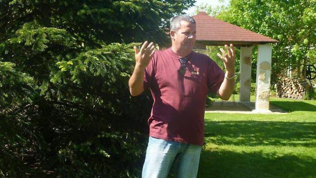 Bertrand accueille durant deux jours quinze artisans d'art dans les jardins du «Petit Parcours»