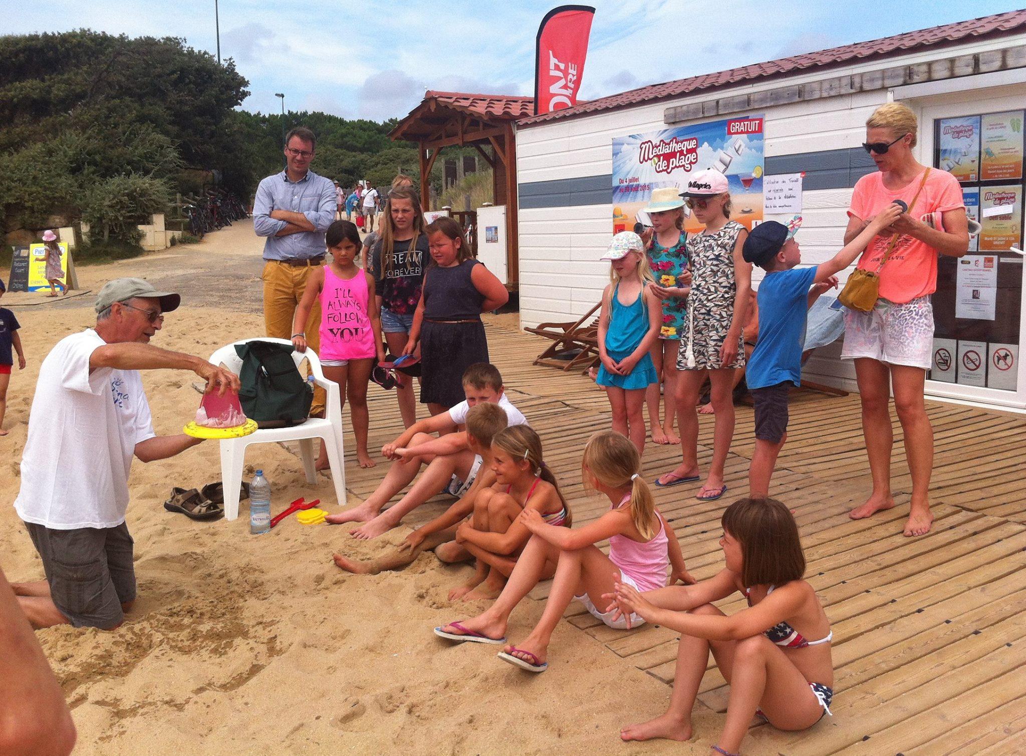 Des expériences scientifiques sur la plage du Veillon