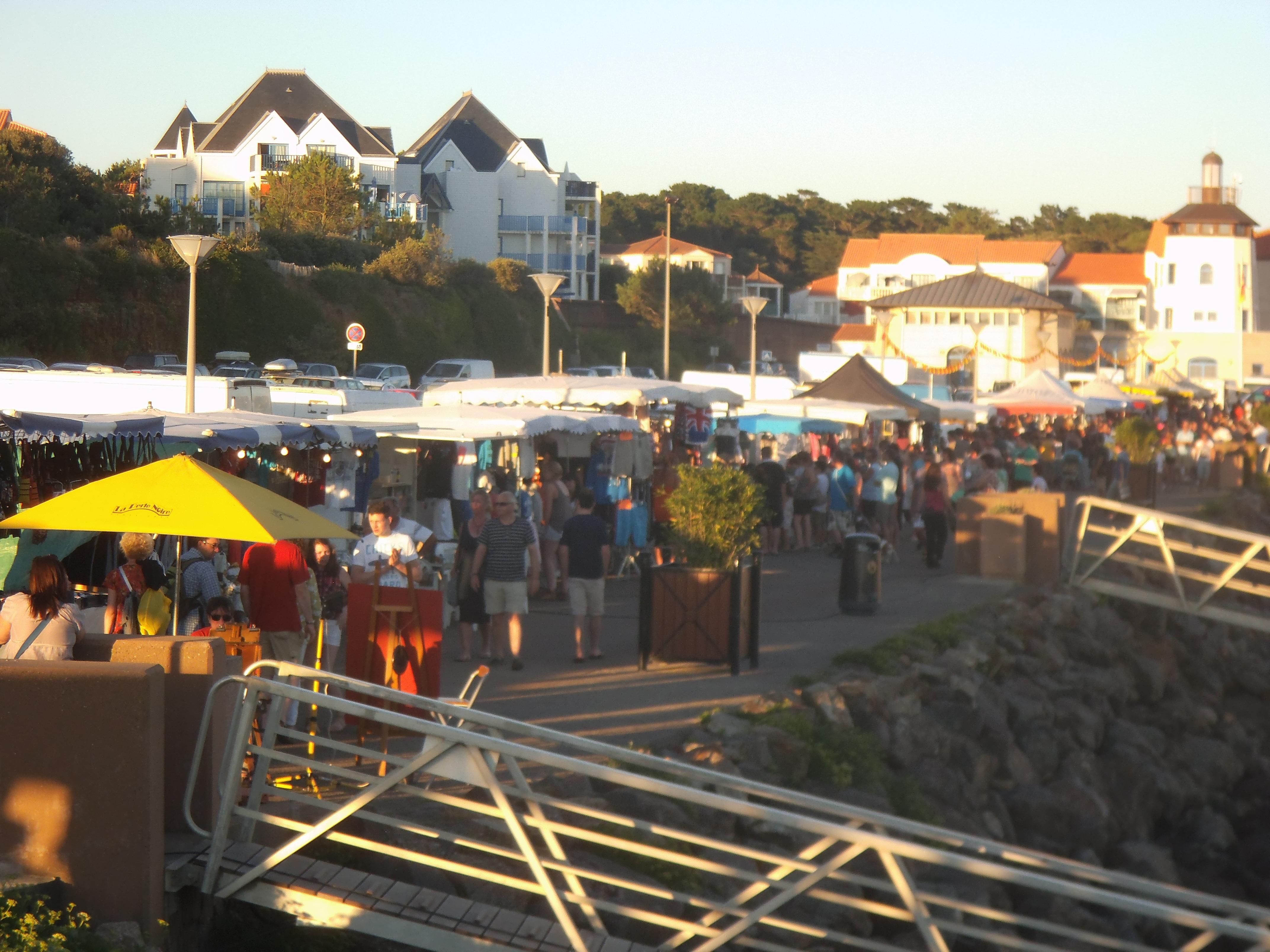 Marché nocturne à Port-Bourgenay ce mercredi