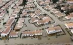 """A La Faute-sur-Mer, """"onze maisons qui n'étaient à l'origine pas menacées de destruction sont désormais incluses dans la zone noire"""""""