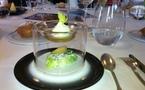 Du 1er au 30 avril 2012, le Chef étoilé Thierry Drapeau réinterprétera autour des meilleurs Champagnes de la Maison MUMM, le menu du Dîner d'inauguration du légendaire Paquebot « Le France », du 20 avril 1912.