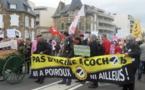 La manifestation contre la Porcherie de Poiroux rassemble plusieurs centaines de personnes sur le Remblai des Sables d'Olonne