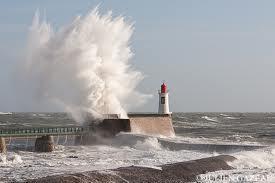 Alerte météorologiques oranges vent et vagues submersion sur le département de la Vendée du jeudi 15 à 22h00 au vendredi 16 décembre à 14h00