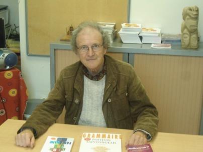 Michel Gautier est bien connu des vendéens pour avoir écrit de nombreux ouvrages sur la langue poitevine-saintongeaise