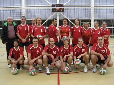 Un nouveau jeu de maillots à l'équipe 1 de volley de Talmont.