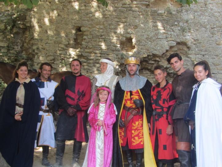 Château: comédiens et bénévoles se préparent pour la première