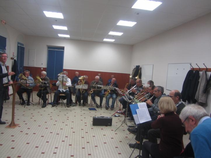 La Fanfare sera mise à l'honneur ce dimanche à l'occasion de la Sainte Cécile ici lors d'une répétition à Sainte Hilaire de Talmont